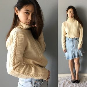 Ann Taylor Ivory Cable Knit Sweater
